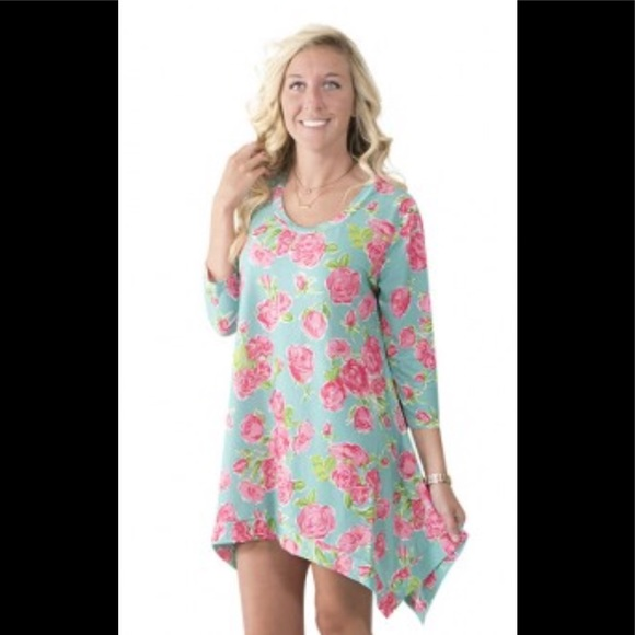 2536294cb6d Simply Southern Tops   Nwt Roses Tunic Size Xl   Poshmark